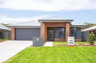8 Apple St, Fern Bay NSW 2295