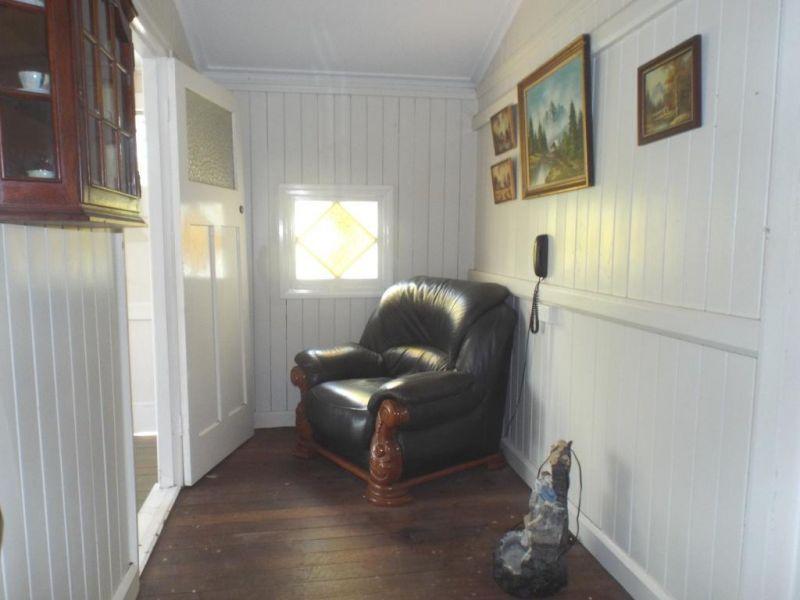 49 Beresford Street, Proston QLD 4613, Image 2