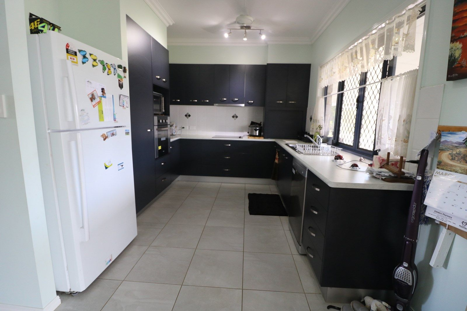 77 Oakview Dr, Redridge QLD 4660, Image 2