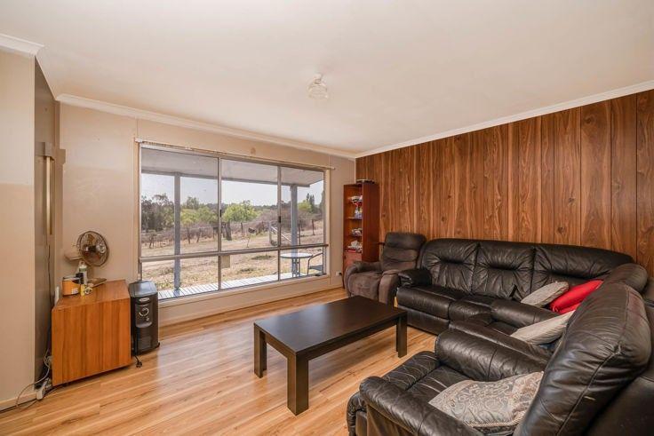 10 Queen Street, Uralla NSW 2358, Image 2