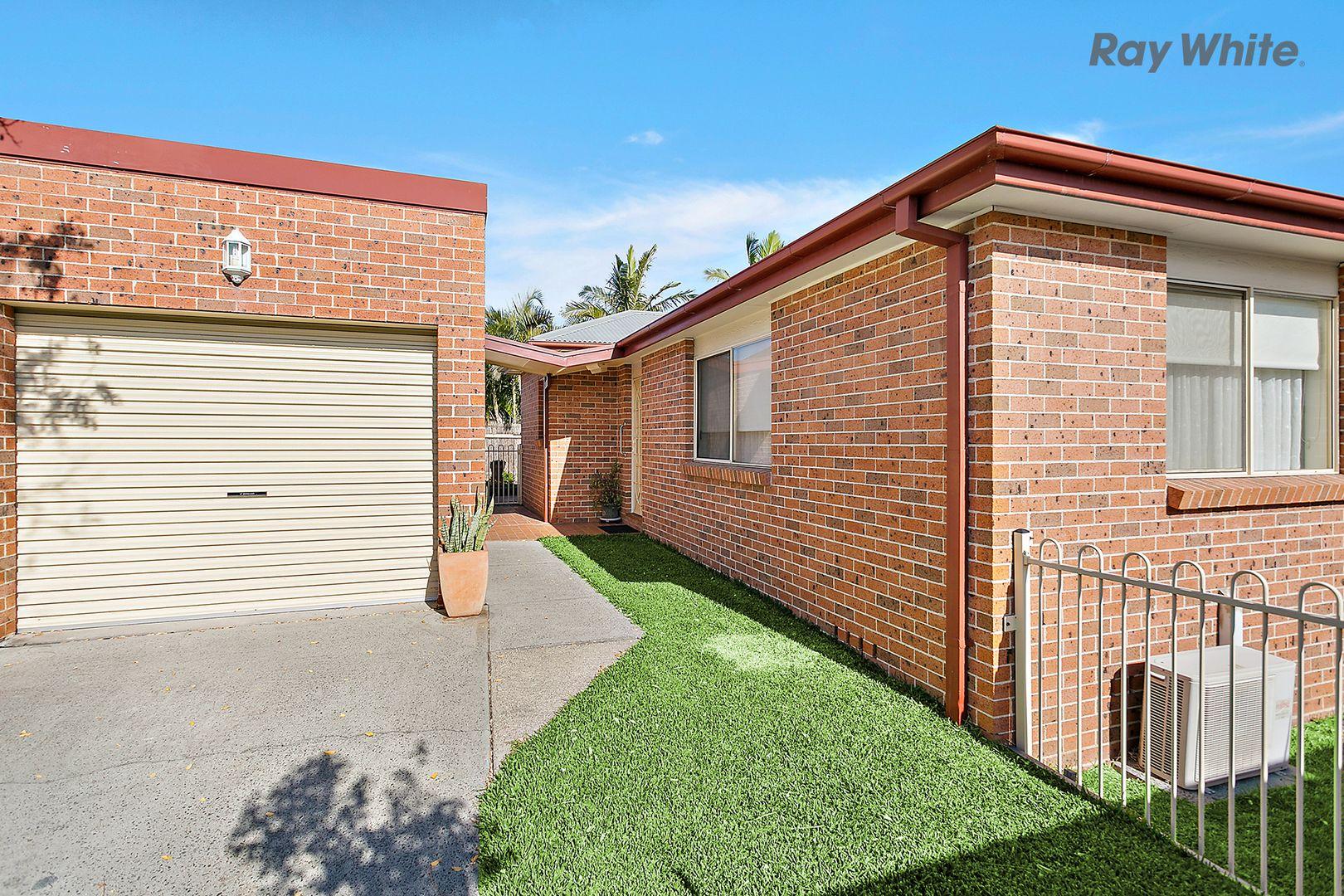 2/37 Griffiths Street, Oak Flats NSW 2529, Image 0