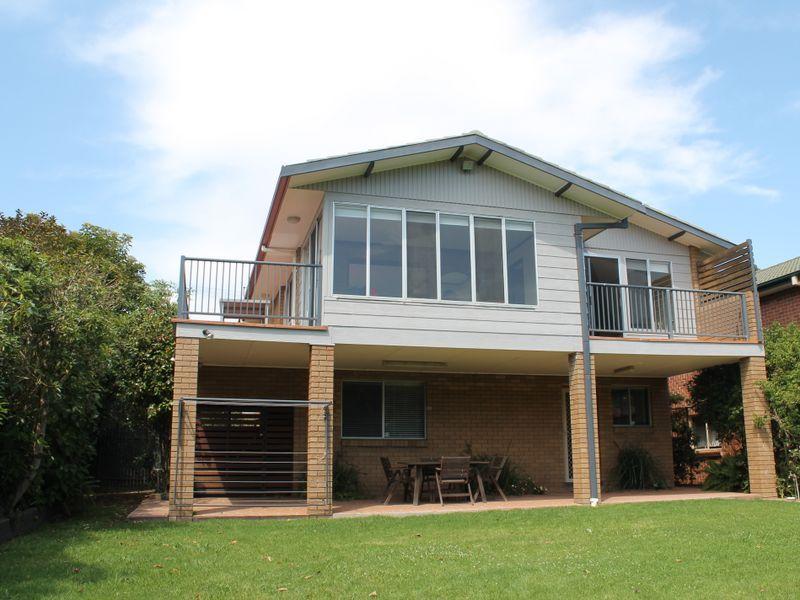 4 Iluka Avenue, Malua Bay NSW 2536, Image 0
