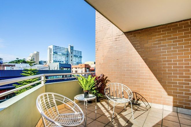 Picture of 10/7-9 Pittwater Road, MANLY NSW 2095