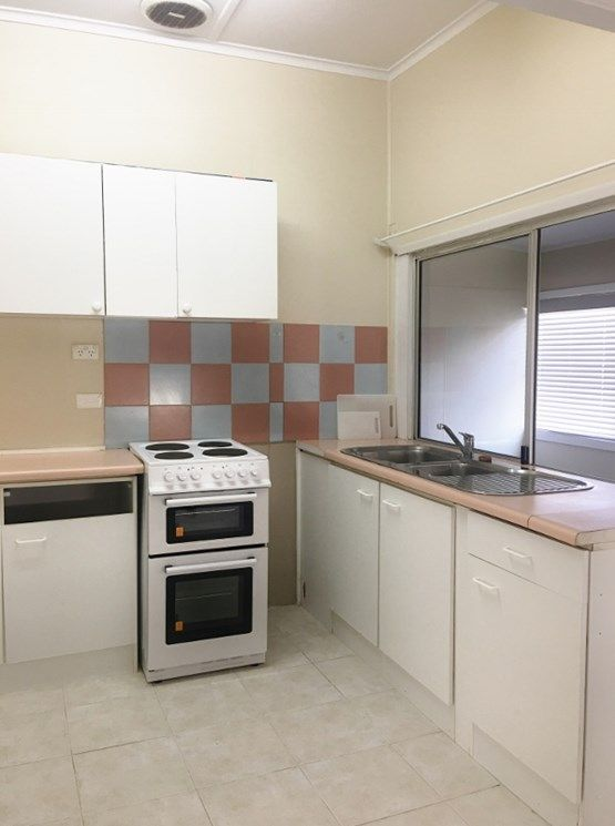 52 Natuna Avenue, Budgewoi NSW 2262, Image 1
