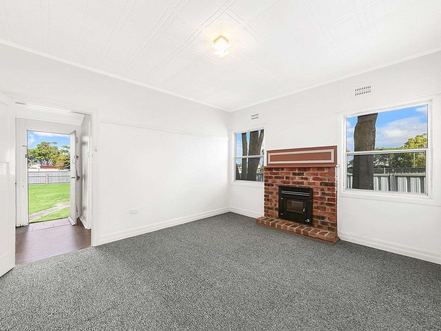 437 Pacific Highway, Belmont NSW 2280, Image 0