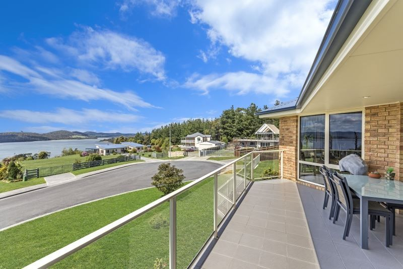 8 Adley Court, Beauty Point TAS 7270, Image 2