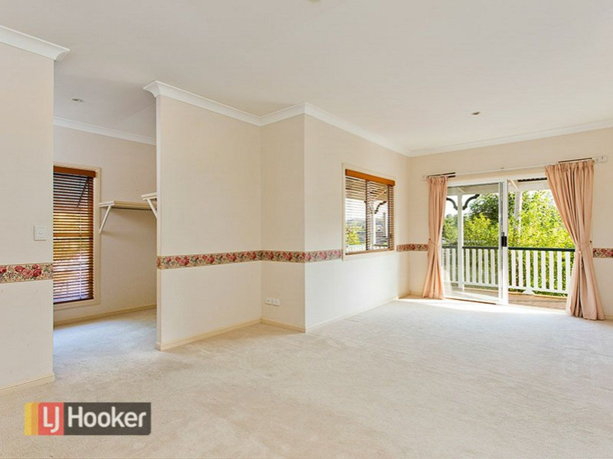 14 Willowood Place, The Gap QLD 4061, Image 2