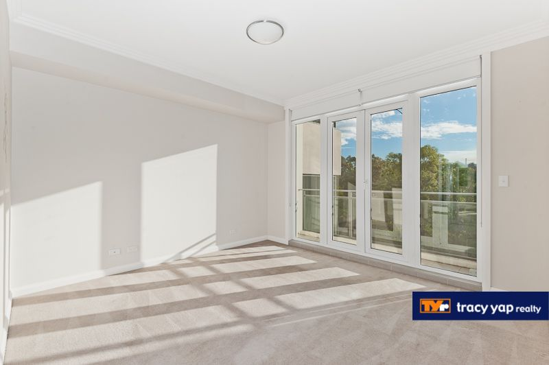 24/7 Bay Drive, Meadowbank NSW 2114, Image 2