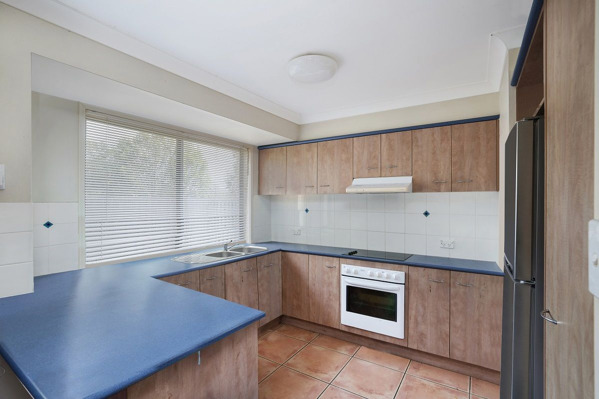 42/2 Studio Drive, Pacific Pines QLD 4211, Image 2