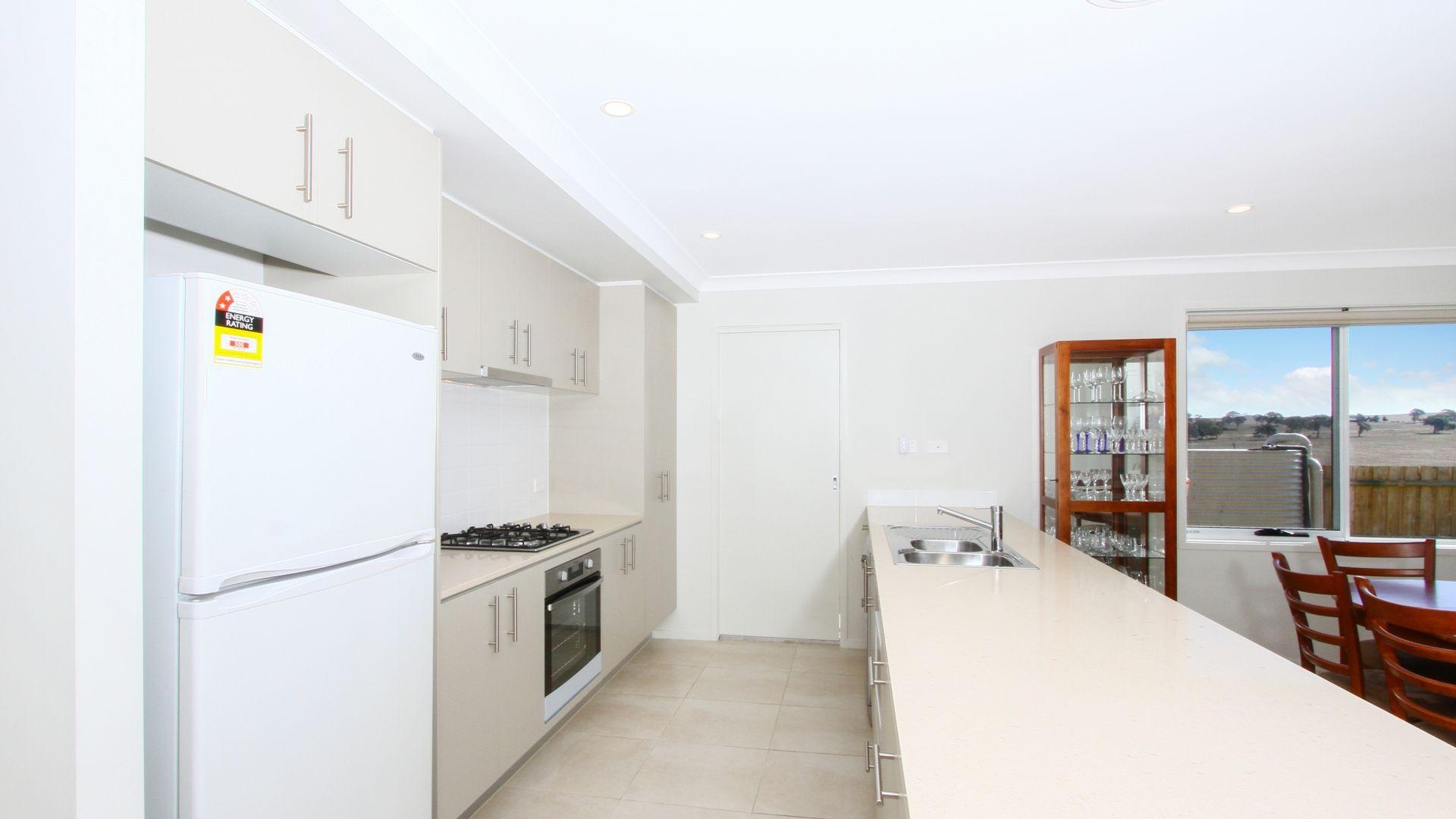 17 Lovet Street, Goulburn NSW 2580, Image 2