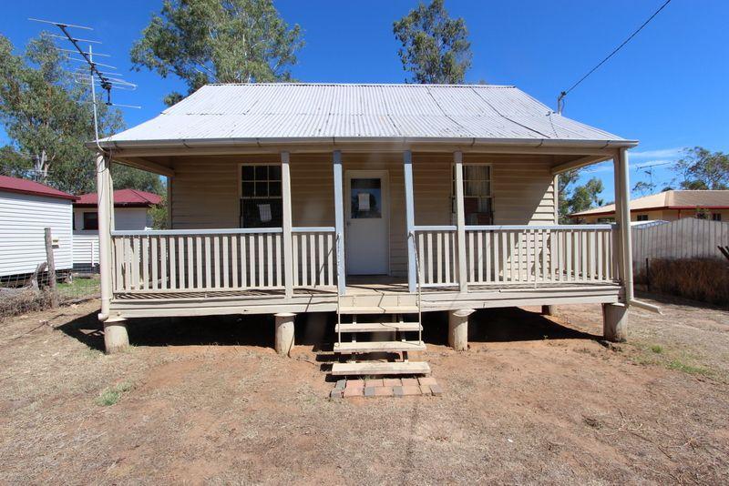 11 Ridgeway Street, Charleville QLD 4470, Image 0