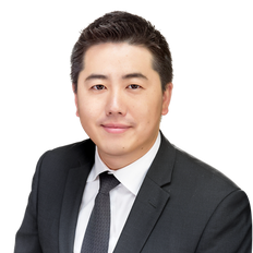 Justin Li, Sales representative