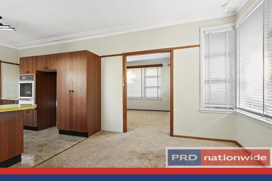 897 Forest Road, Lugarno NSW 2210, Image 2