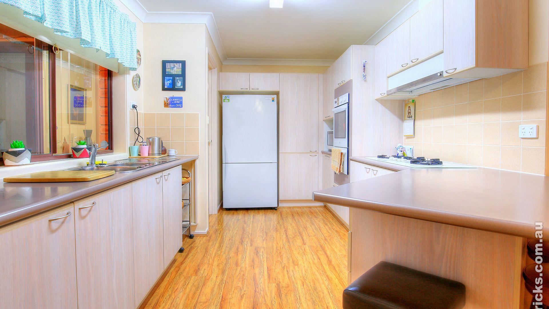 4 Randall Street, Kooringal NSW 2650, Image 1