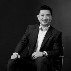 Larry Zhou, Sales representative