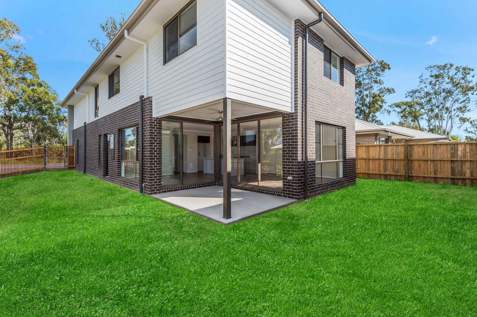 60 Greenview Cct, Arundel QLD 4214, Image 1