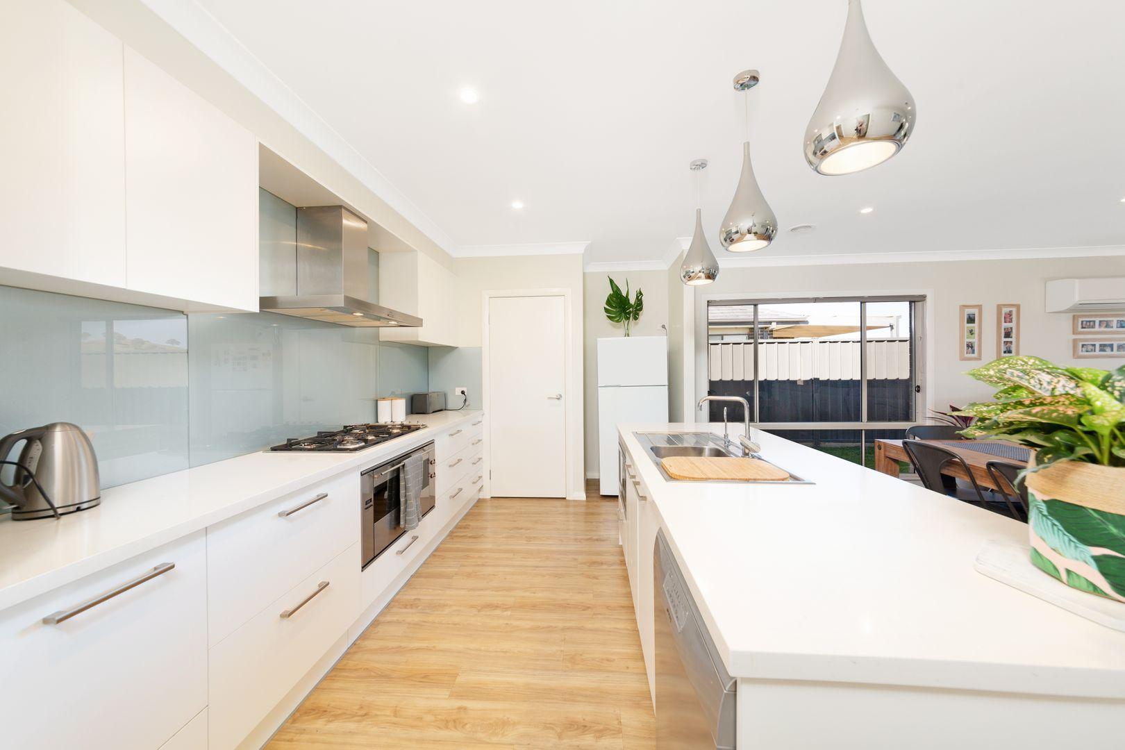 18 Hearne Street, Googong NSW 2620, Image 2