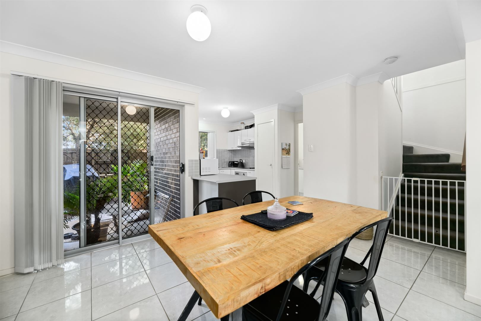 1/19 Platinum Place, Oxley QLD 4075, Image 2