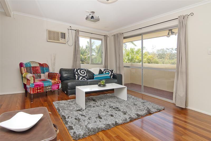 91 Barbaralla Drive, Springwood QLD 4127, Image 2