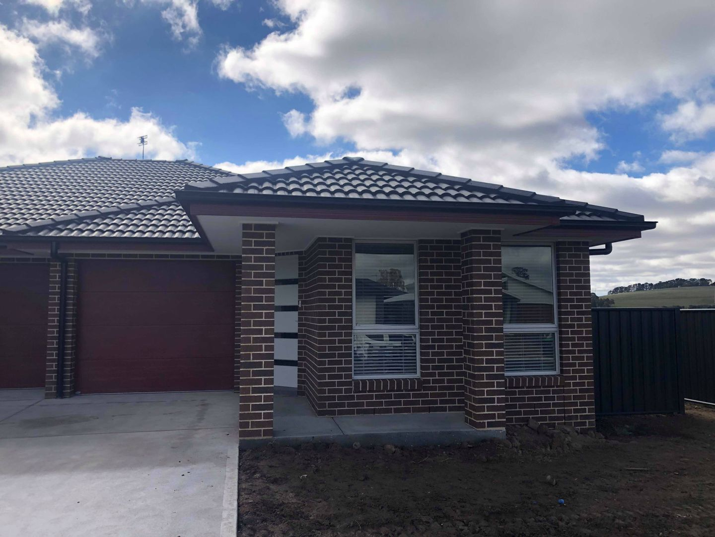 2/19 Scarborough Street, Orange NSW 2800, Image 0