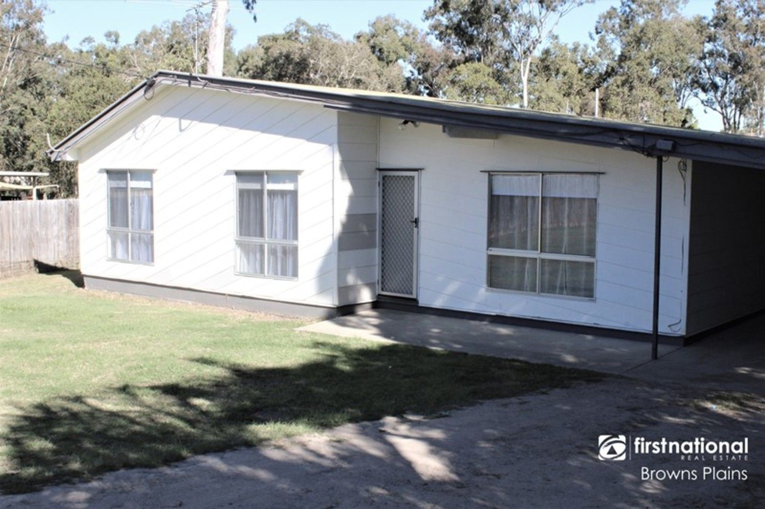 38 Strathallen Drive, Boronia Heights QLD 4124, Image 2