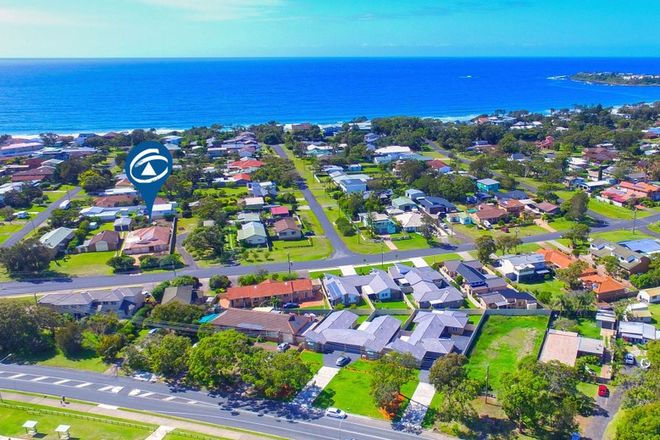 Picture of 6 Penguins Head Road, CULBURRA BEACH NSW 2540