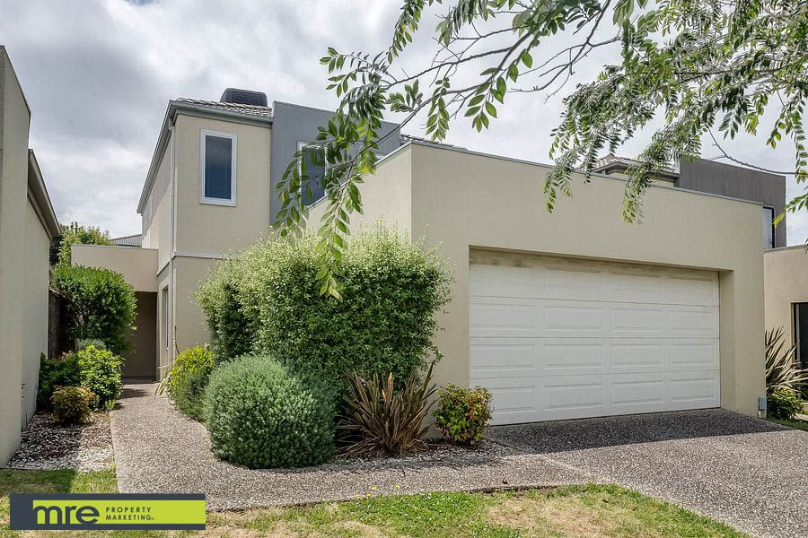 13 Sovereign Manors Crescent, Rowville VIC 3178, Image 0