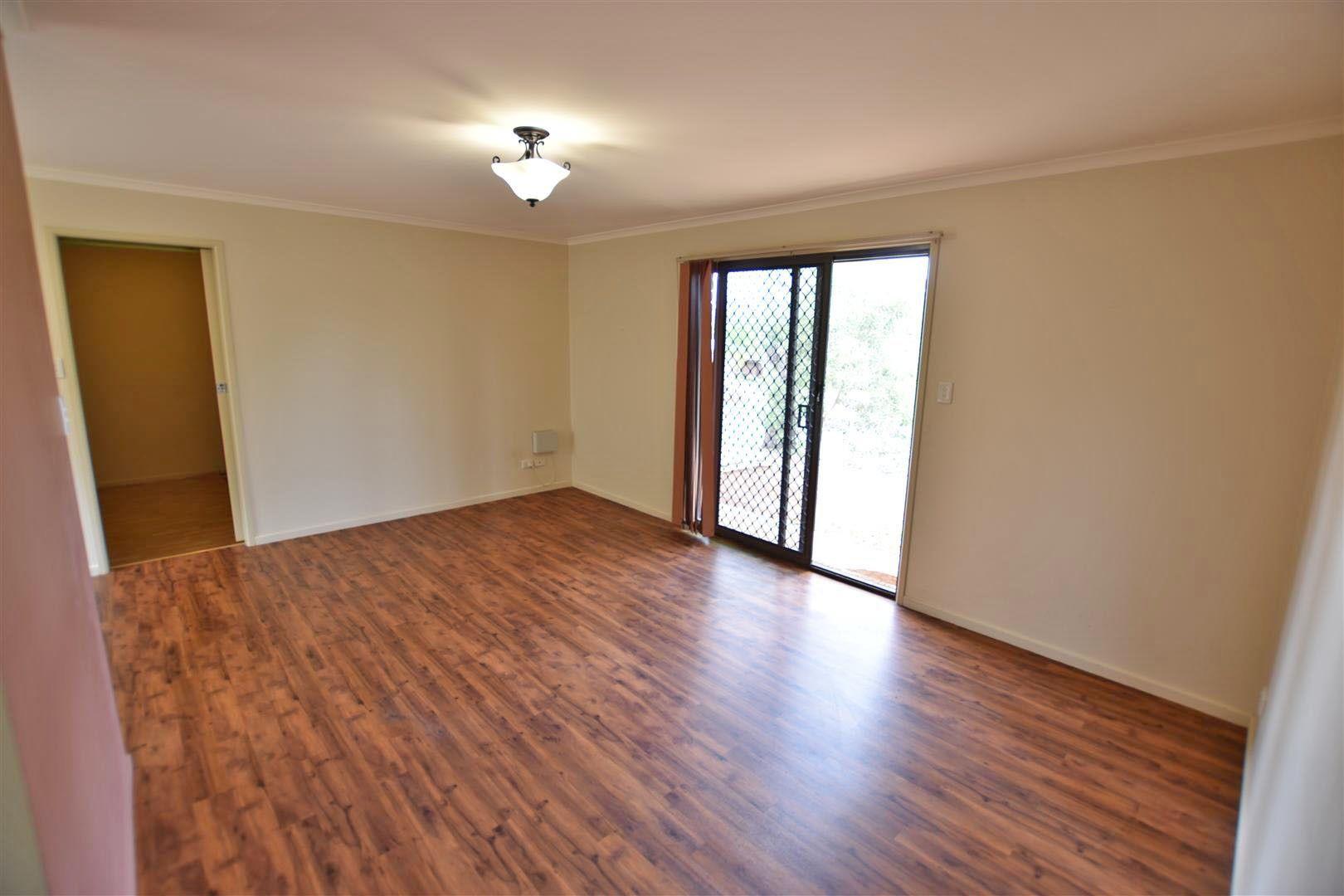 5 Wyena Street, Kallangur QLD 4503, Image 2