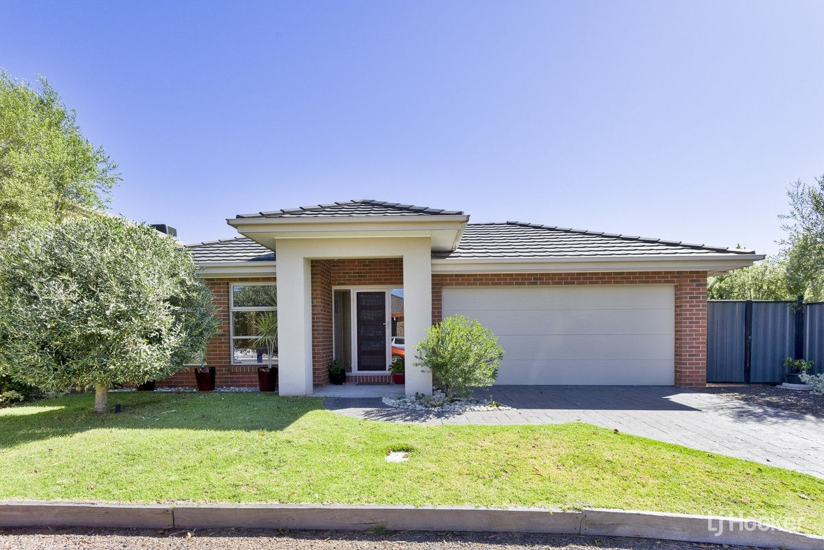 4 Citronella Circuit, Point Cook VIC 3030, Image 0