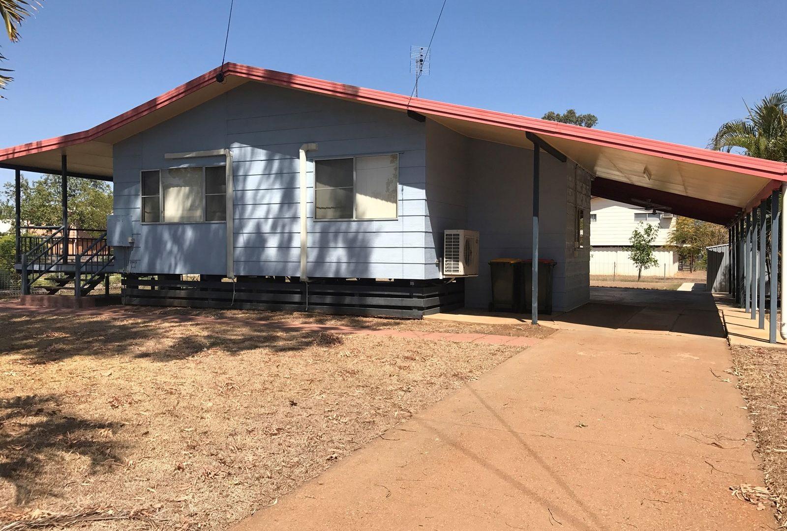 10 Roxburgh Street, Capella QLD 4723, Image 1