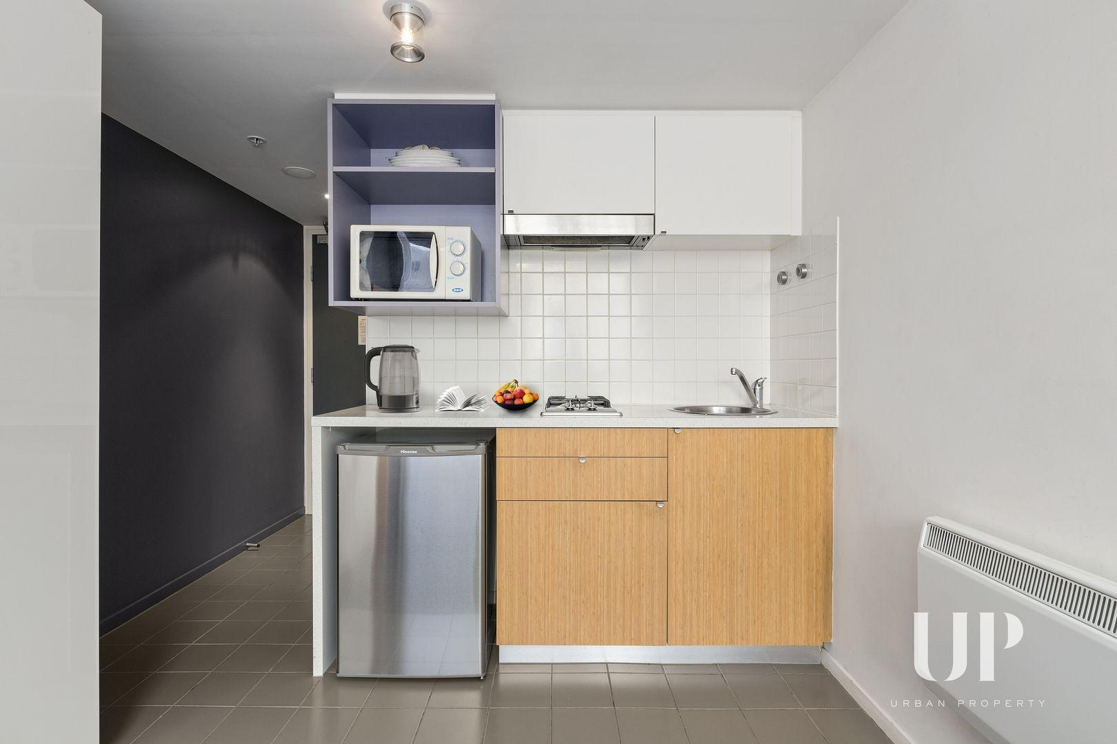 1307/268 Flinders Street, Melbourne VIC 3000, Image 2