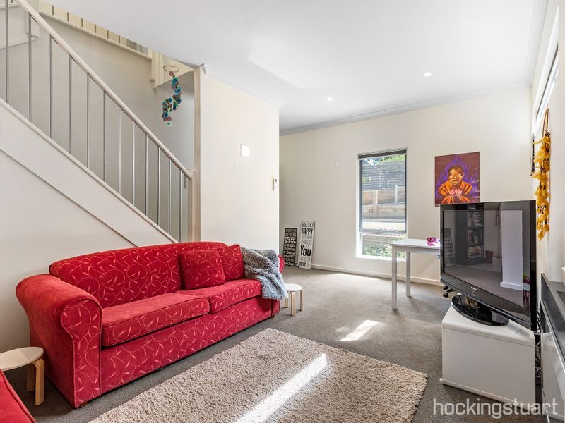 3/108 Central Springs Road, Daylesford VIC 3460, Image 2