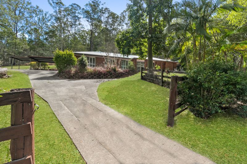 93 Pacey Road, Upper Brookfield QLD 4069, Image 1