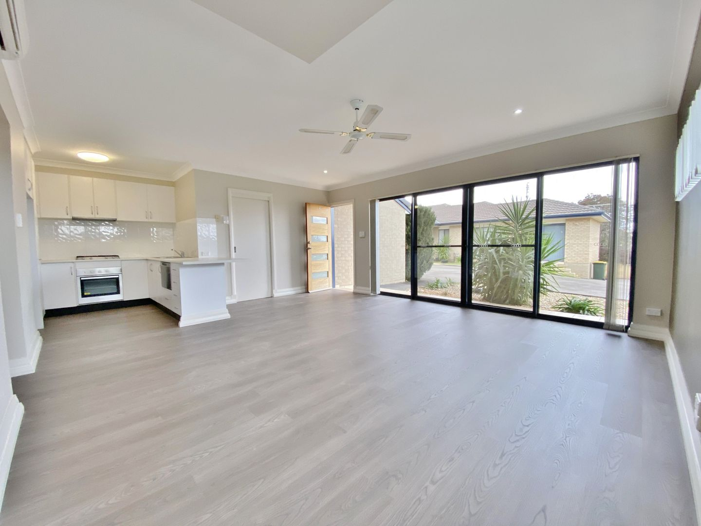 1/157 William Street, Young NSW 2594, Image 2