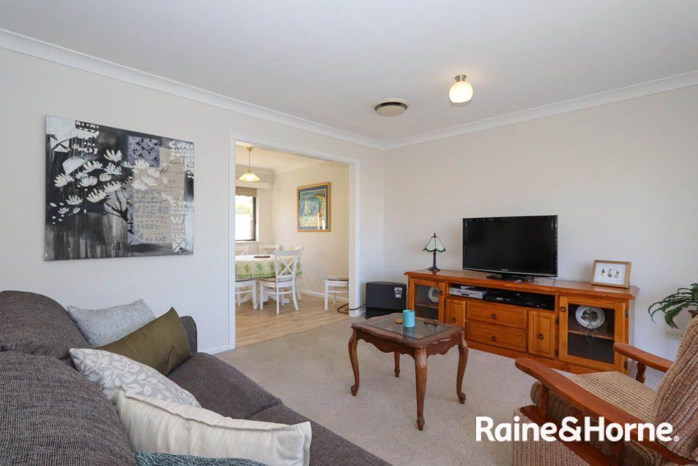 35 Bant Street, Bathurst NSW 2795, Image 2