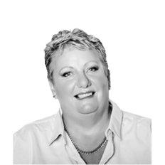 Lyn Sills, Sales representative