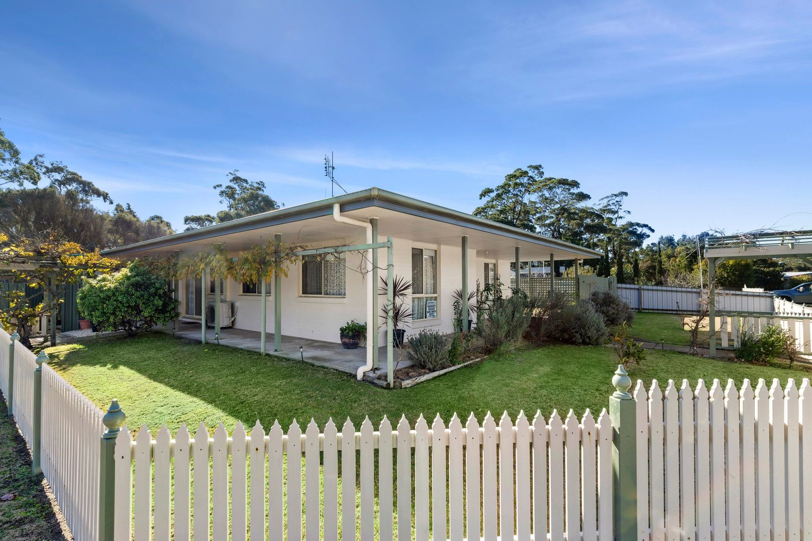 6 Boulder Place, Broulee NSW 2537