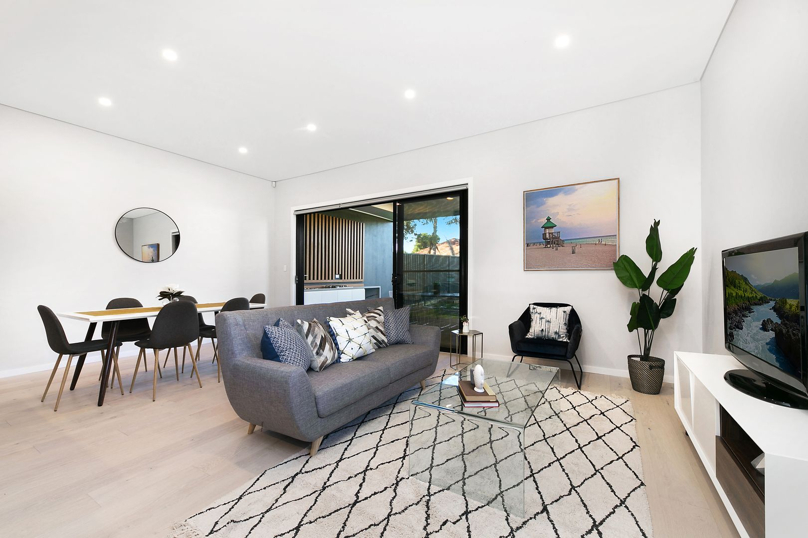 165a Rex Road, Georges Hall NSW 2198, Image 2