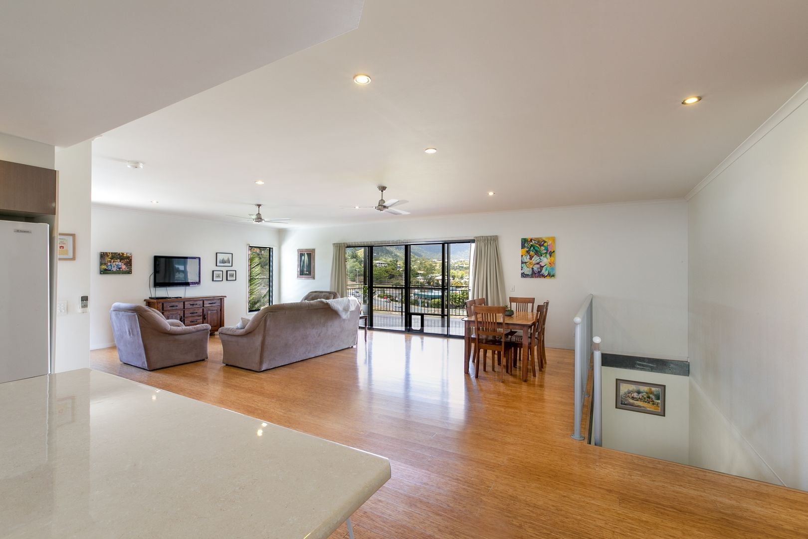 13 Beth  Court, Cannonvale QLD 4802, Image 2