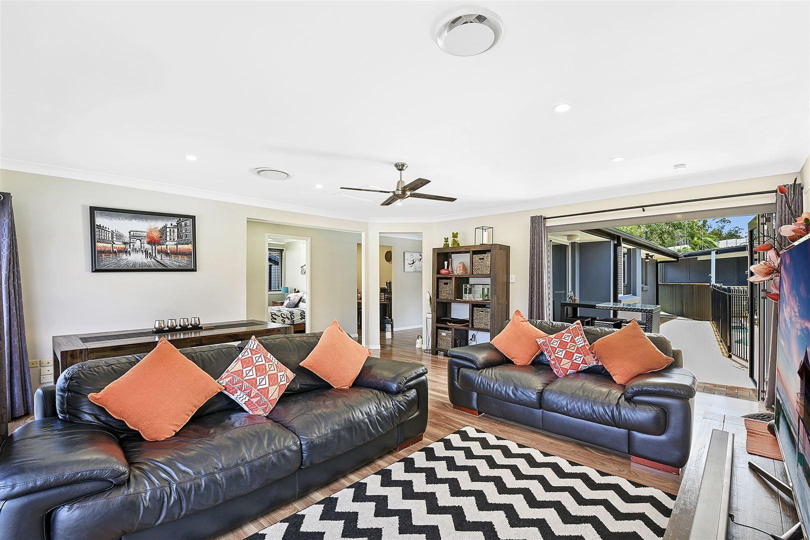 20 Fairweather Drive, Parkwood QLD 4214, Image 2