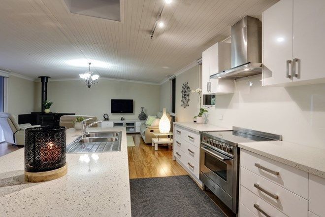 Picture of 32 Sydney Avenue, EMERALD VIC 3782