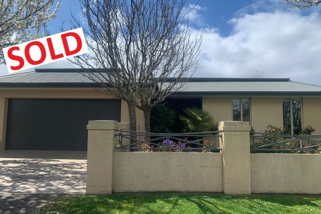 Picture of 10 Stirling Drive, LAKE GARDENS VIC 3355
