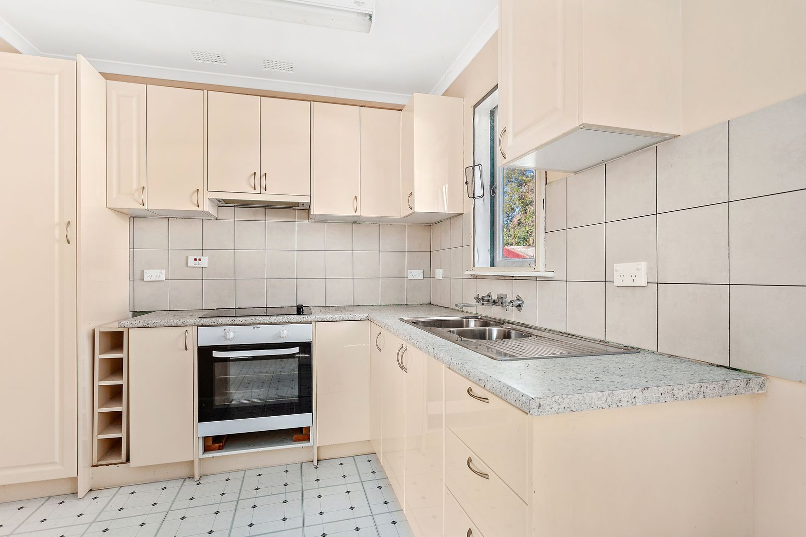 15 Morgan Avenue, Mount Warrigal NSW 2528, Image 1