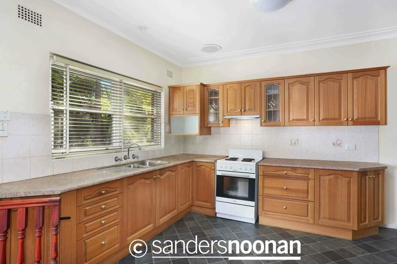 10 Blackbutt Avenue, Lugarno NSW 2210, Image 2