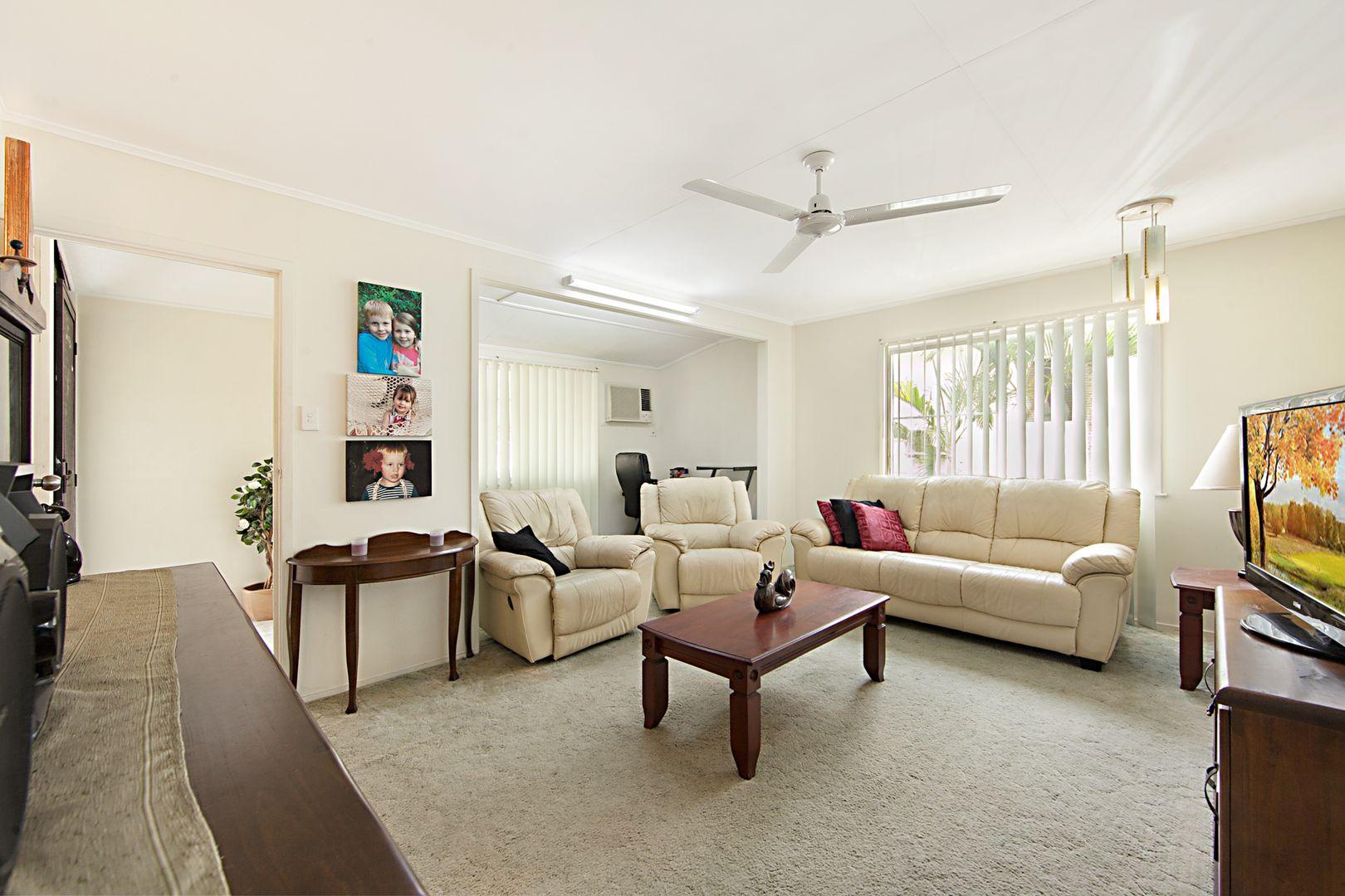 16 Barellan Street, Cranbrook QLD 4814, Image 2