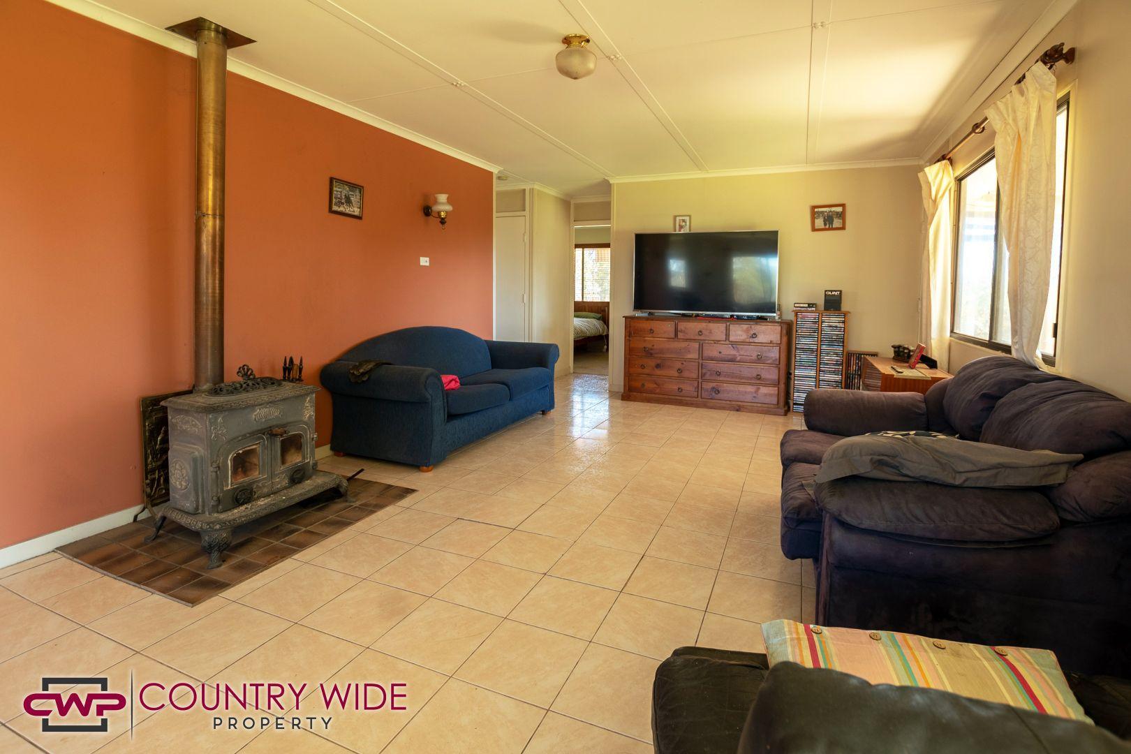 2207 Emmaville Road, Glen Innes NSW 2370, Image 2