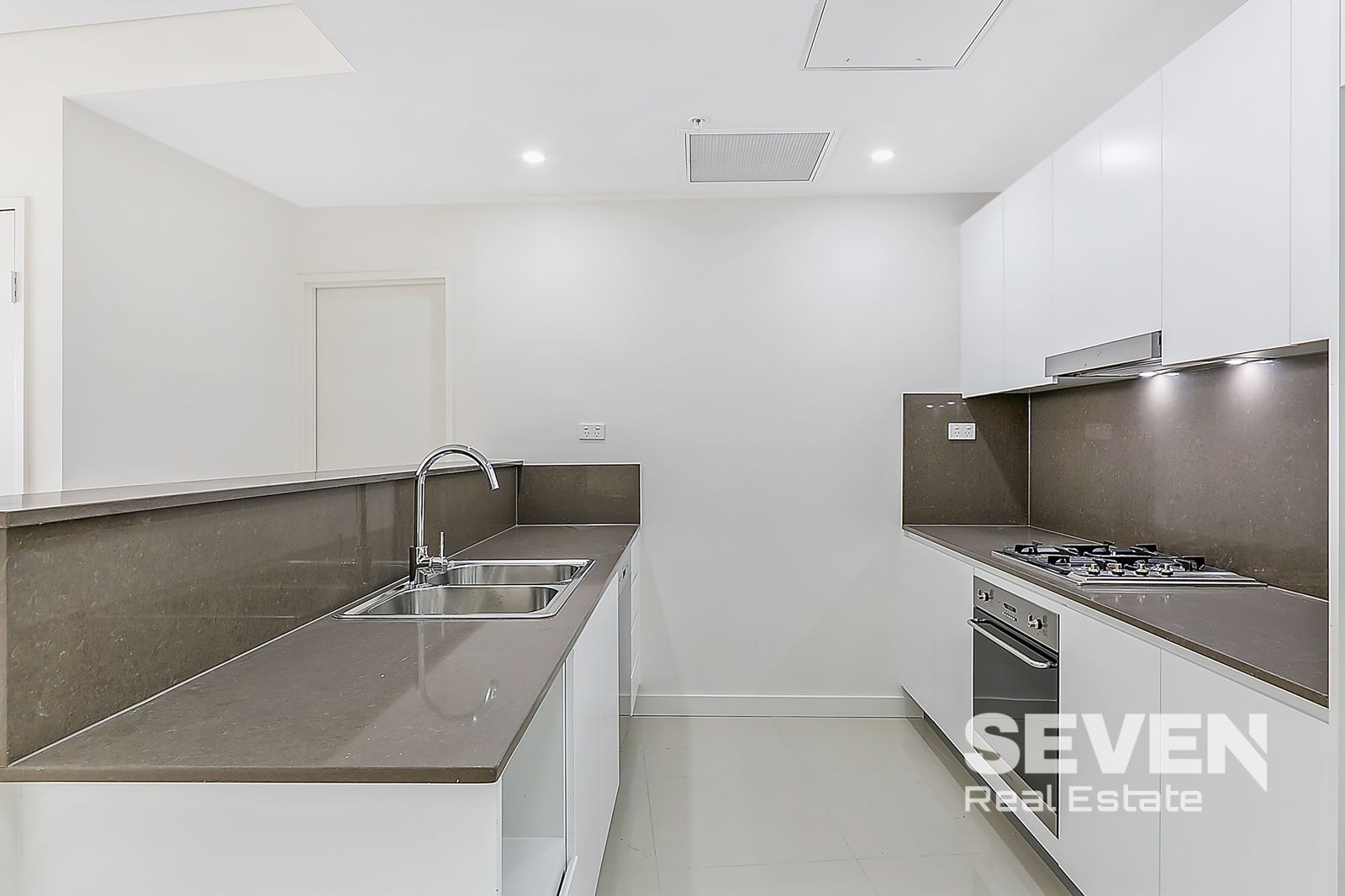 604/299 Old Northern Road, Castle Hill NSW 2154, Image 2