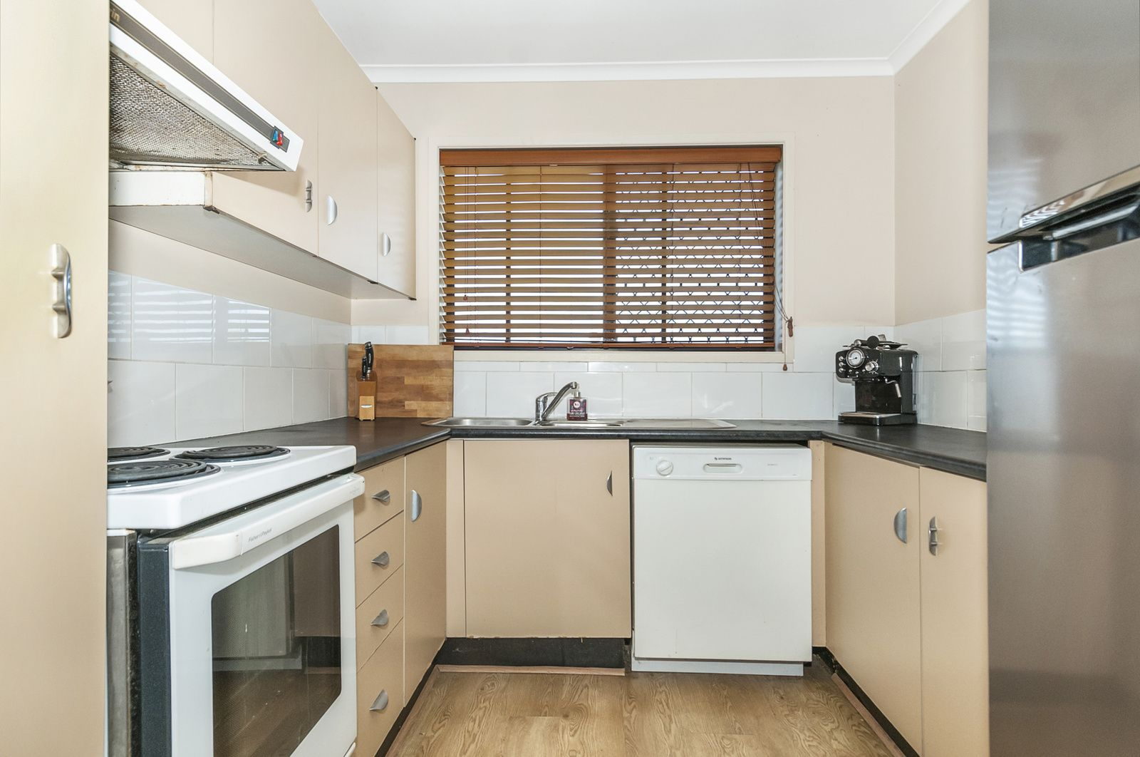 1/1B Guinevere Ct, Bethania QLD 4205, Image 2