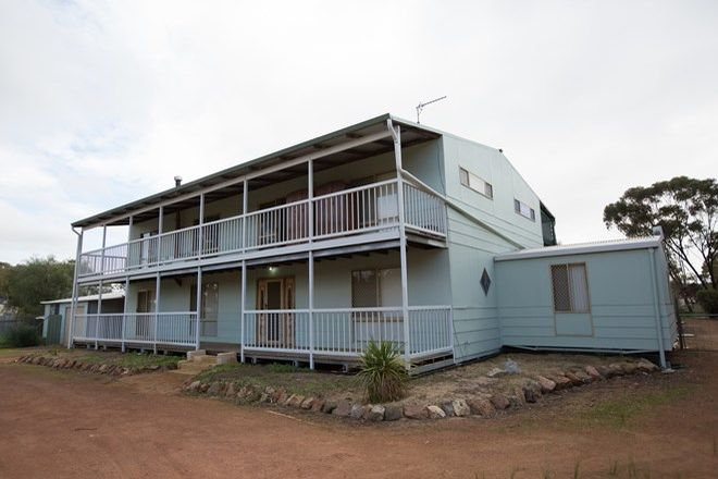 Picture of 10 Edwards Street, BEVERLEY WA 6304