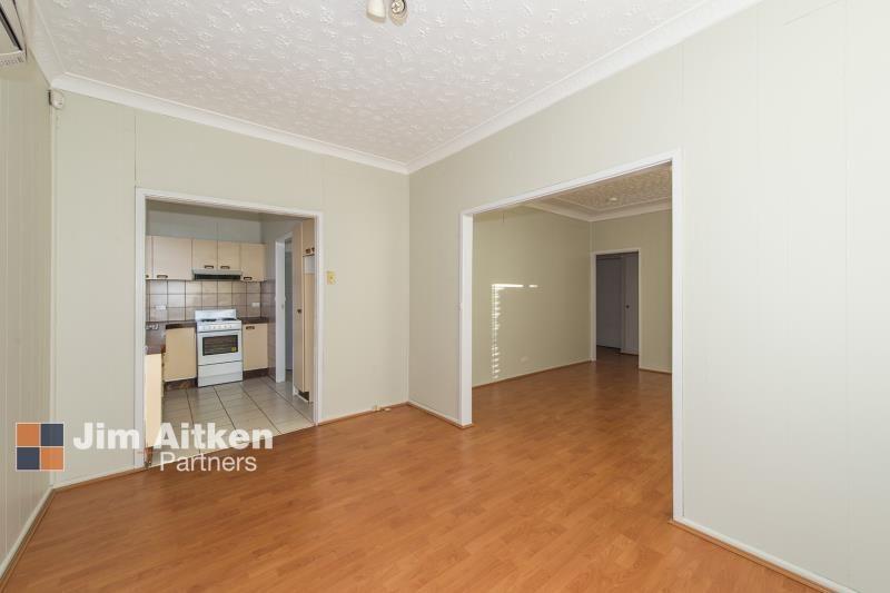 4 Rawson Avenue, Penrith NSW 2750, Image 2
